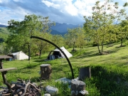 Blokhut, Ingerichte tent en mini-camping Rocca di Sotto